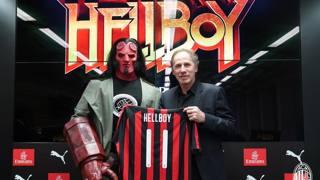 Hellboy con la maglia del Milan: l'eroe demoniaco diventa rossonero