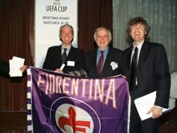 È il 1999: Oreste Cinquini, a sinistra, ai tempi in cui era d.g. del Bologna, con Antognoni, allora n°1 Fiorentina AP