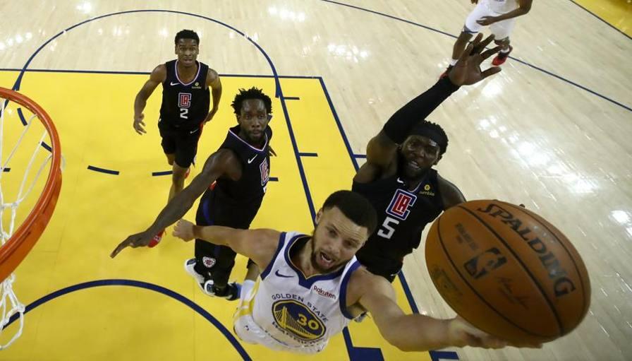 Nba Playoff, Golden State-Clippers 121-104 in gara-1