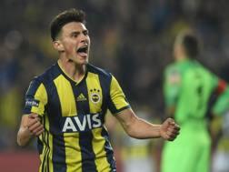 Eljif Elmas, 19 anni, macedone, gioca mezzala nel Fenerbahçe, in Turchia Afp