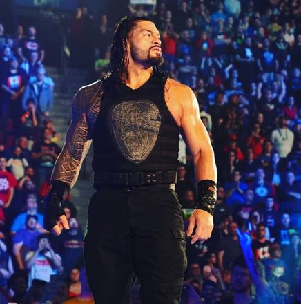 Roman Reigns, 33 anni