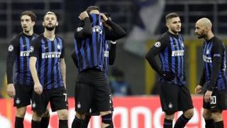 L'amarezza dei giocatori dell'Inter dopo il pari col Psv: era l'11 dicembre AP