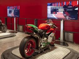 Il simulatore con la 1299 Panigale R Final Edition