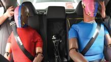 Due dummy sul sedile posteriore