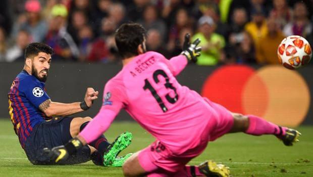 L'1-0 di Luis Suarez. Afp