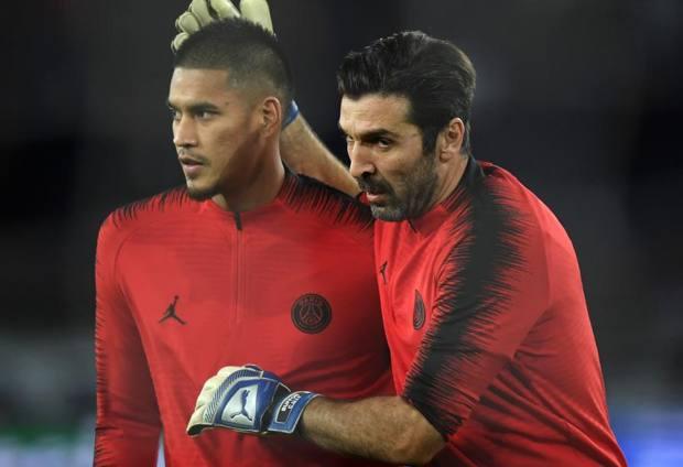 Alphonse Areola, 26 anni e Gigi Buffon, 41.