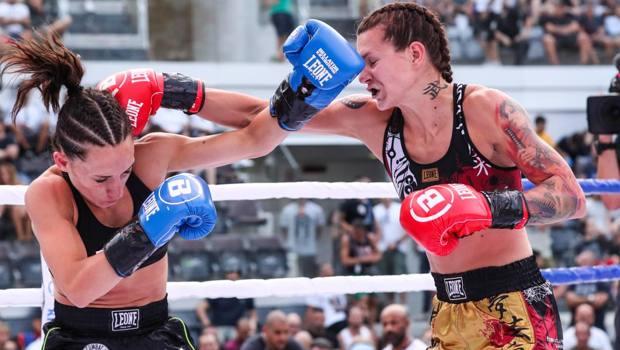 Martine Michieletto, a destra, durante un combattimento
