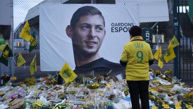 L'omaggio dei tifosi del Nantes ad Emiliano Sala