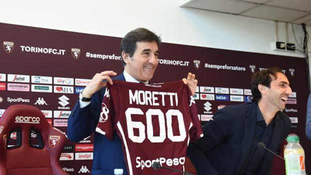 Ex viola, Emiliano Moretti annuncia il ritiro: