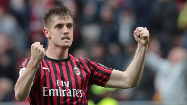 Piatek, attaccante del Milan costretto a vincere a Ferrara