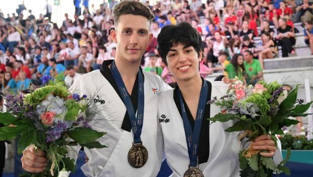 Elena Blundi e Michelangelo Sampognaro vincono il bronzo nella competizione a coppie Freestyle. Foto Roberto Di Tondo