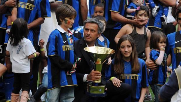 Josè Mourinho festeggia con i figli lo scudetto 2009