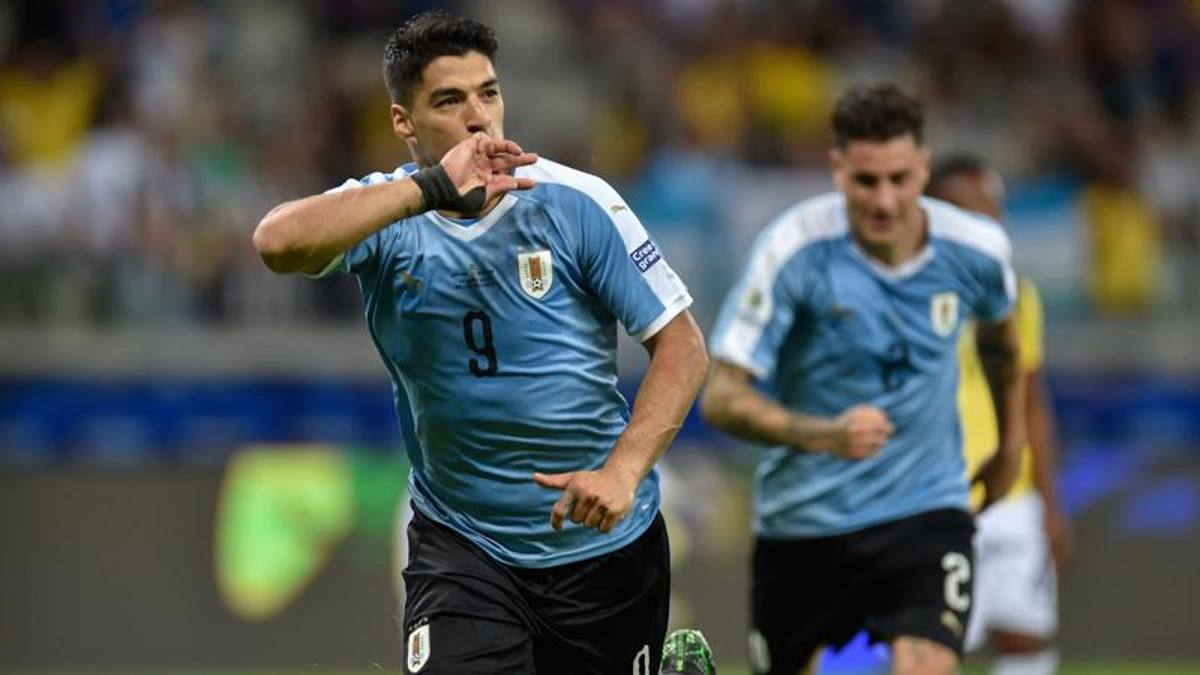 L'Uruguay dà spettacolo con Suarez e Cavani, l'Ecuador in 10 crolla ...