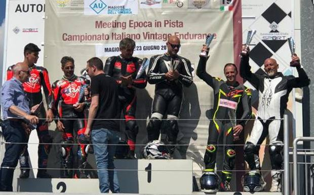 Fin Sicilia Calendario.Moto Guzzi Fast Endurance La Gazzetta Al 3 Posto A Magione