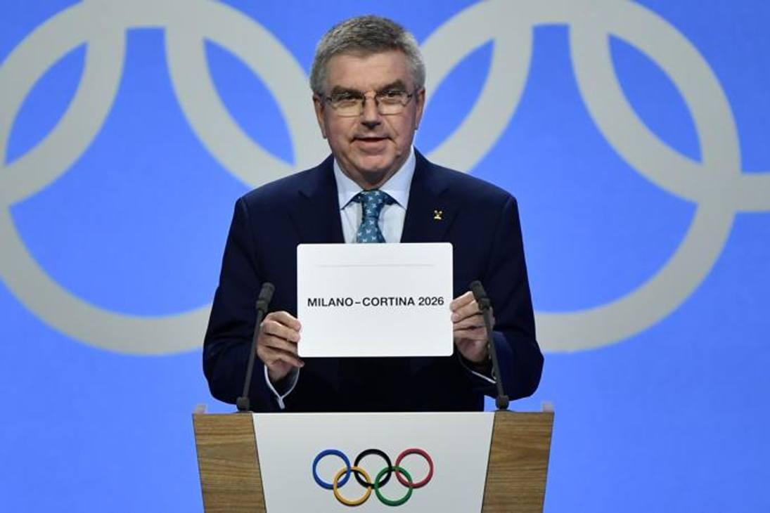 Il presidente del Cio, Thomas Bach, annuncia: i Giochi invernali 2026 vanno a Milano-Cortina! Il risultato della votazione: 47-34. Afp