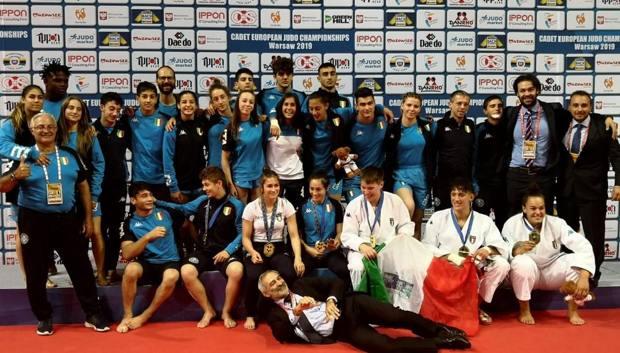 il Team Italia al completo sul podio a Varsavia