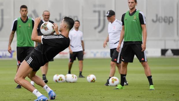 Ronaldo in allenamento, Sarri se la ride