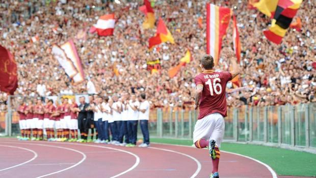 De Rossi saluta l'Olimpico