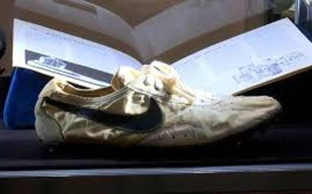 Olimpiade, un paio di Nike del 1972, mai indossate, sono state acquistate all'asta per 437mila dollari!