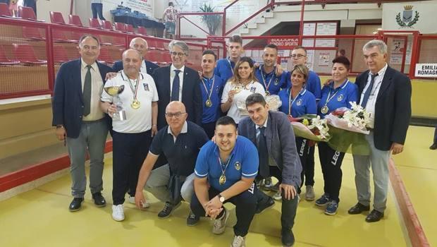 Foto di gruppo con il presidente Marco Giunio De Sanctis