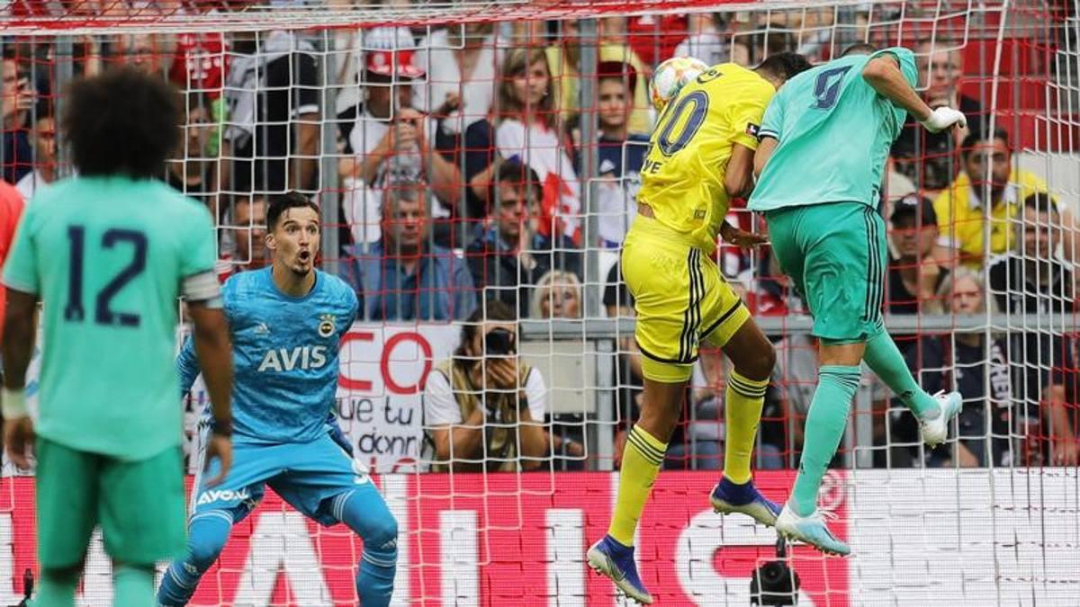 """Tris Benzema, """"manita"""" Real Madrid. Ma la difesa balla: col ..."""