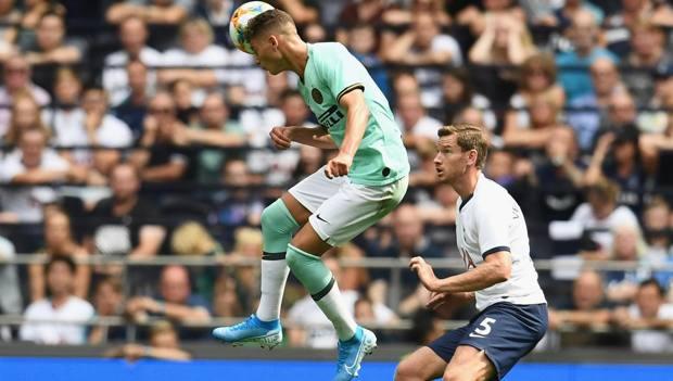 Sebastiano Esposito contro il Tottenham. Getty