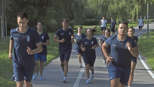 Gli azzurri delle bocce in allenamento a Bolzano