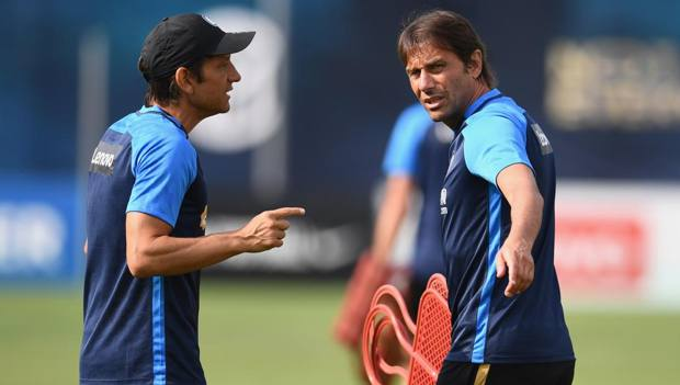 Gialuca e Antonio Conte in allenamento. GETTY