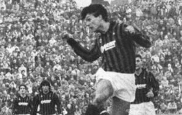 Paolo Maldini il 20 gennaio 1985 in Udinese-Milan 1-1: dietro, da sinistra, si riconoscono Incocciati, Evani e Manzo (seminascosto)