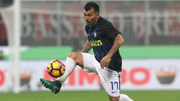 Medel in azione con la maglia dell'Inter
