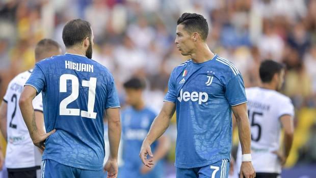 Ronaldo con Higuain a Parma