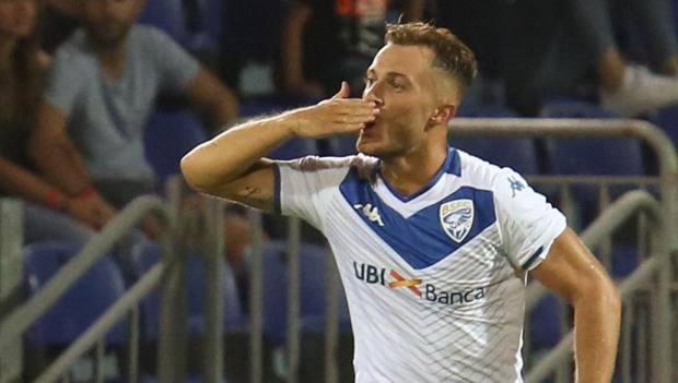 Donnarumma esulta dopo il gol al Cagliari