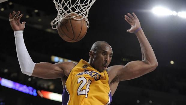Kobe Bryant, oggi 41 anni, con la maglia dei Lakers nel 2008. AP