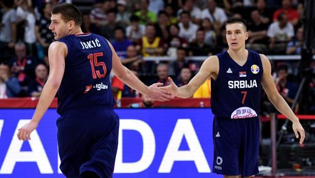 Nikola Jokic e Bogdan Bogdanovic. Ciam