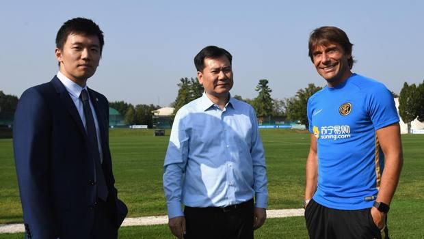 Zhang Jindong ad Appiano tra il figlio Steven e  Conte