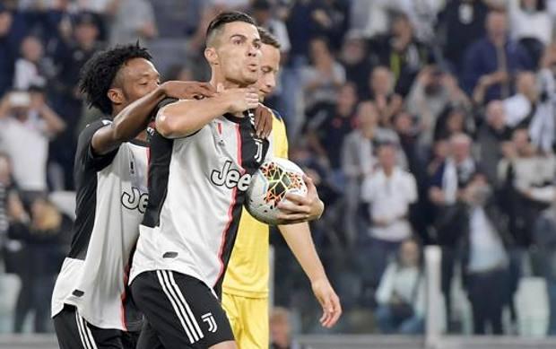 Ronaldo festeggia dopo il rigore decisivo. Getty