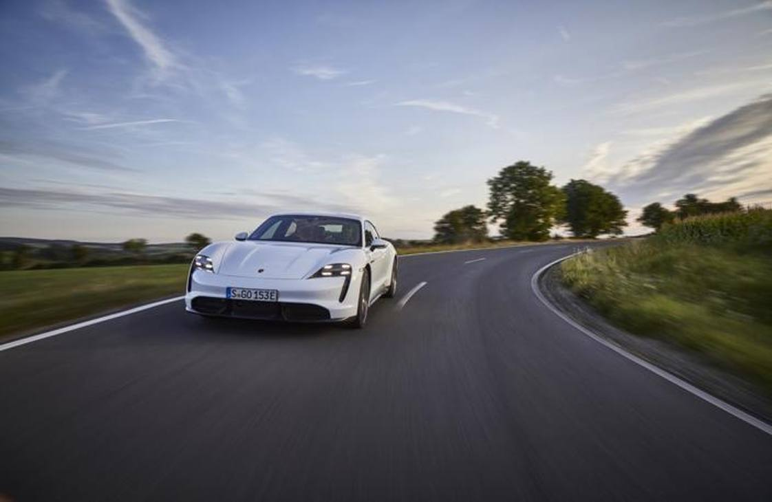 Porsche Taycan, la prova