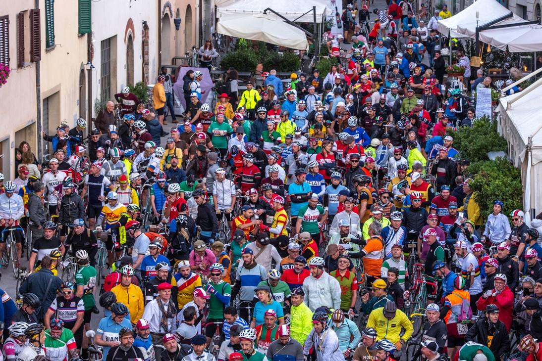 8200 iscritti al via de L'Eroica 2019 - Foto Paolo Martelli