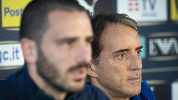 Mancini con capitan Bonucci