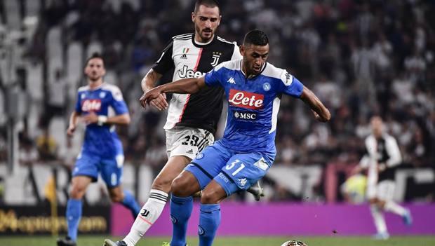 Ghoulam in azione contro la Juve