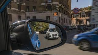 Nuova Hyundai Kona Hybrid, sfida di consumi a Roma: le immagini