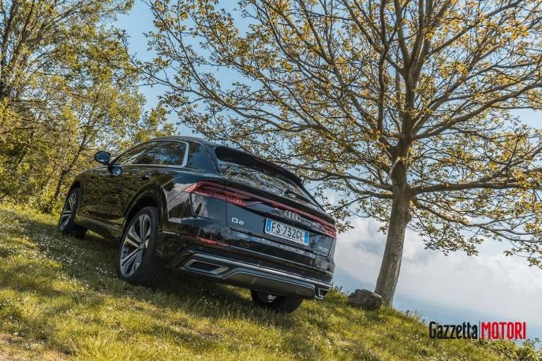 Audi Q8 2020 prova su strada