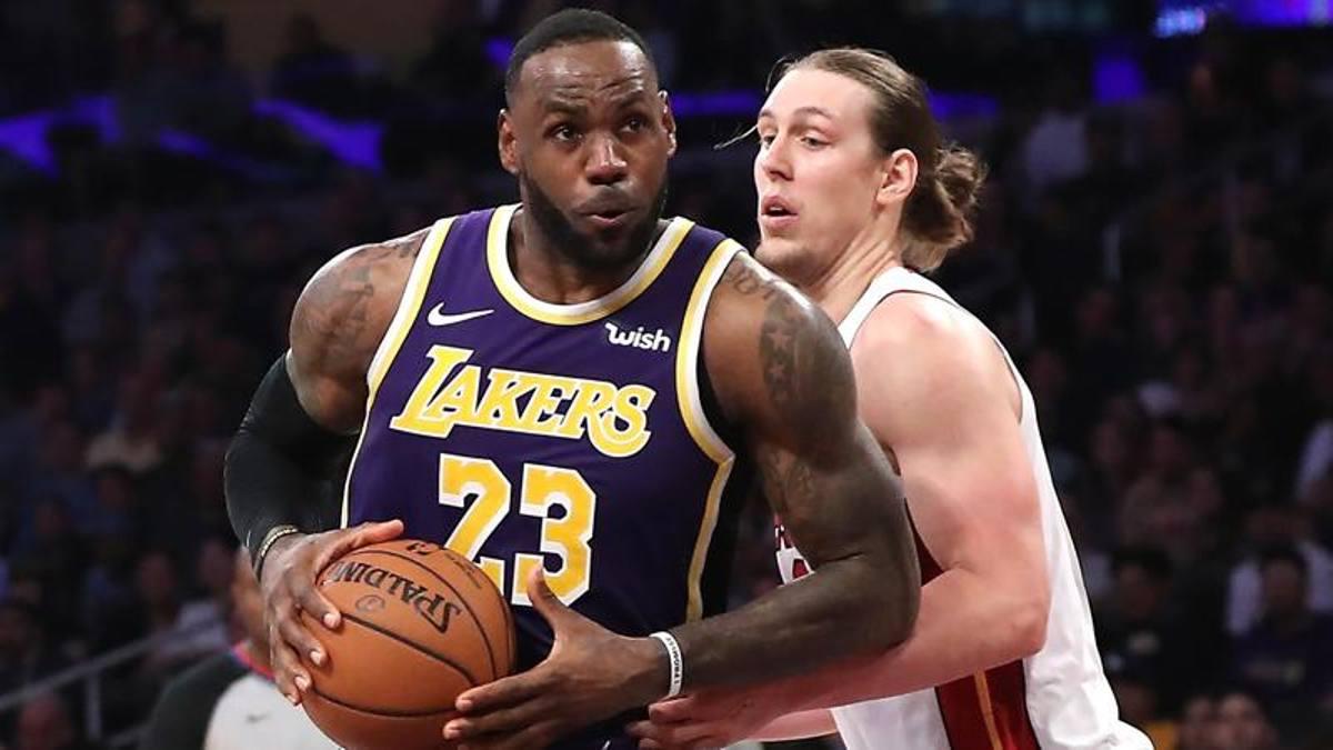 La settima meraviglia dei Lakers: Davis e James stendono Miami