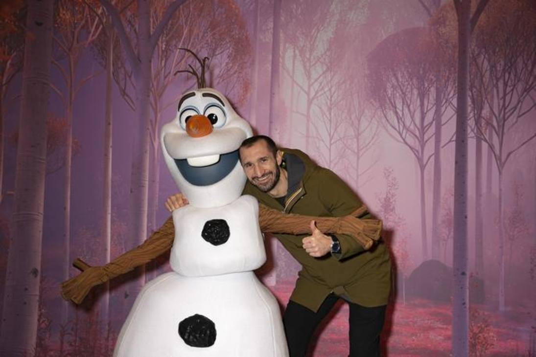 Giorgio Chiellini e Olaf per la stagione Frozen Celebration