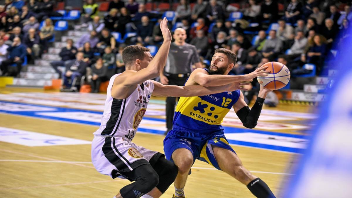 Basket A2, Verona espugna Imola e si riprende la vetta in solitaria - La Gazzetta dello Sport