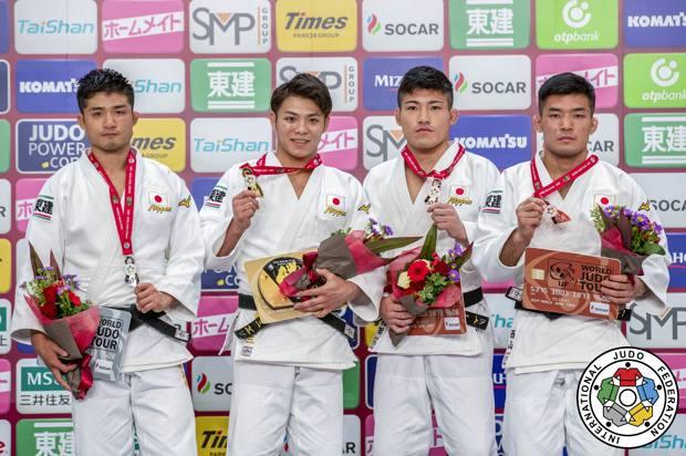 Il podio dei 66 kg con 4 atleti giapponesi