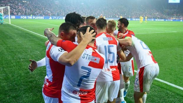 I giocatori dello Slavia eslutamo dopo un gol. AFP
