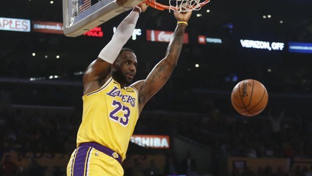 LeBron James, 34 anni, seconda stagione ai Lakers. Ap
