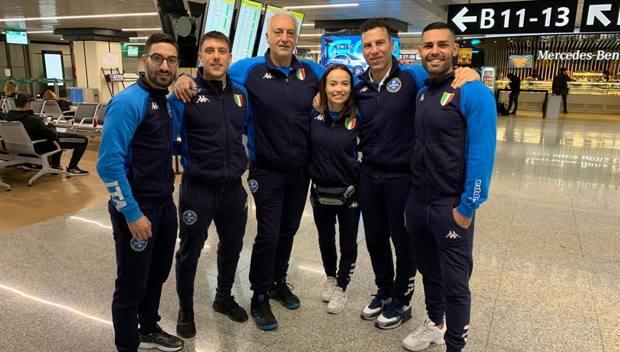 Crescenzo, Busato, Bottaro e Busà con i tecnici azzurri Claudio Guazzaroni e Salvatore Loria