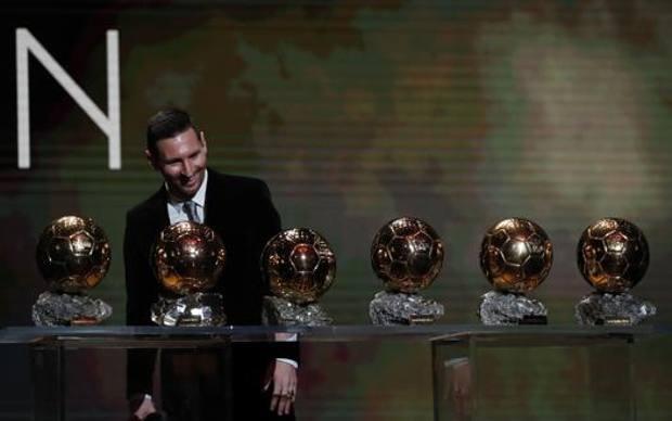 La collezione di Palloni d'oro di Messi. Ap